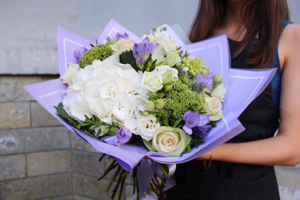 Букет роз, курьер доставка цветов чехов
