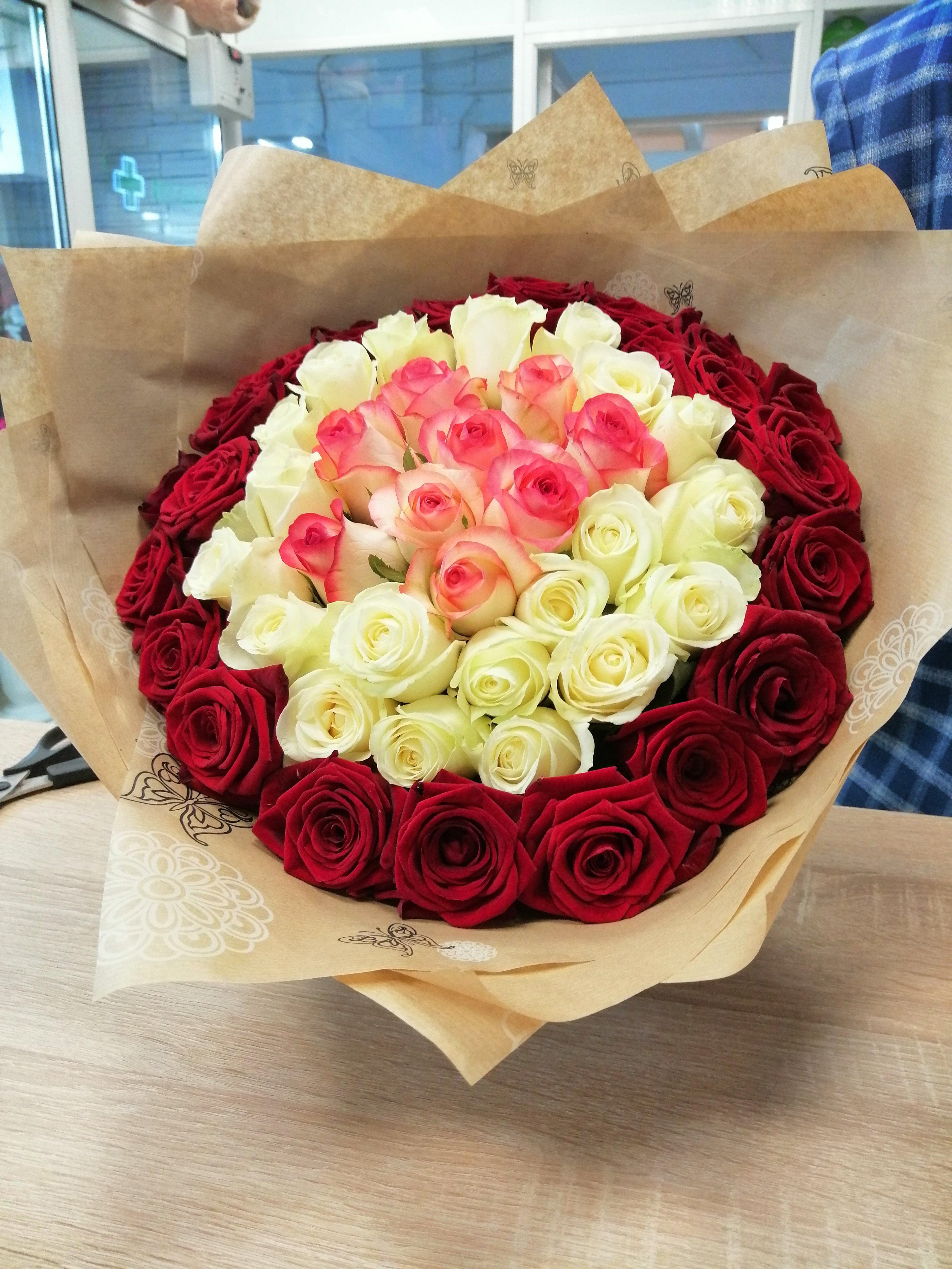 Фото букет оформлен красиво розы