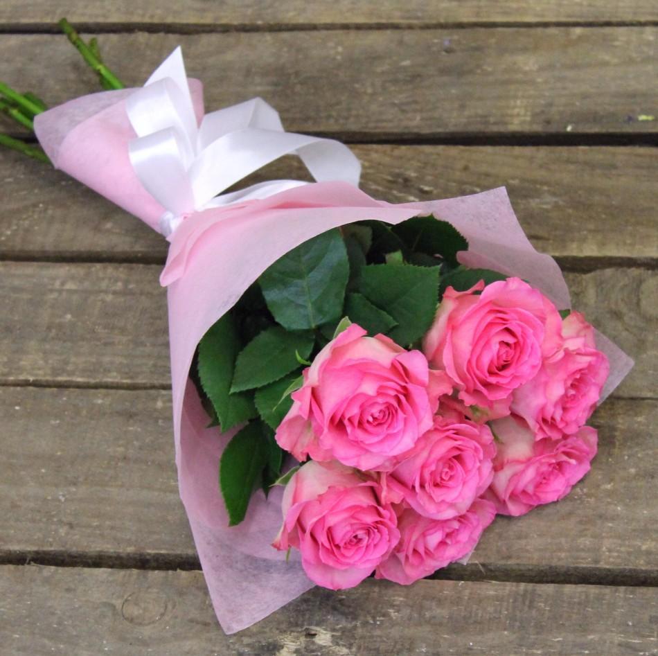 избранник красиво оформленные розы завести собаку